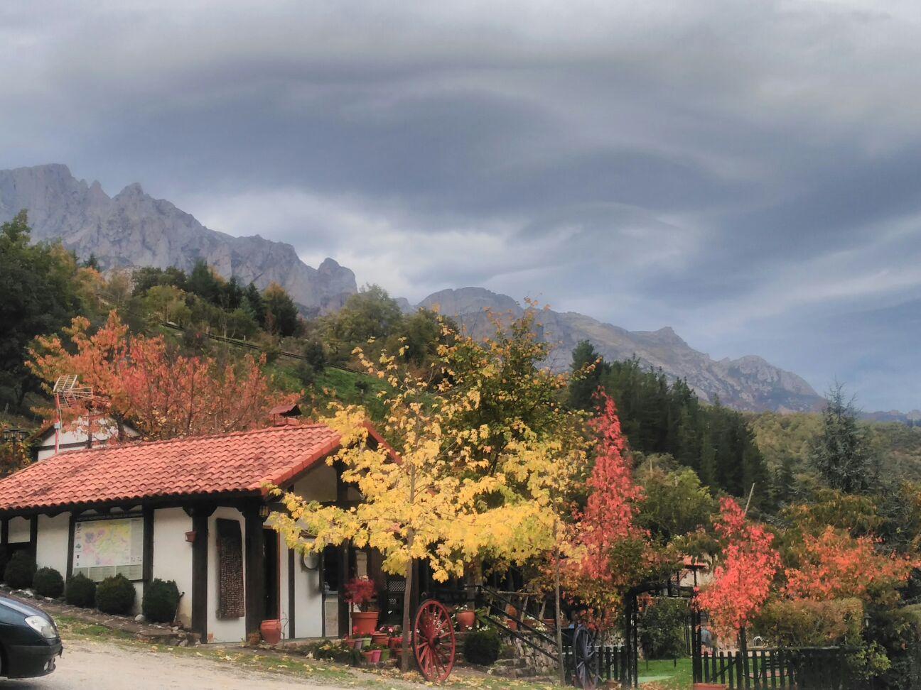 Zona de recepción en otoño